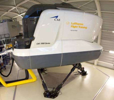 Lufthansa 747-8 Flight Simulator