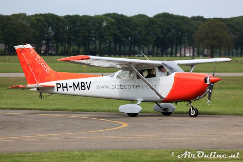 PH-MBV Reims/Cessna F172N Skyhawk, Teuge 13 juni 2010