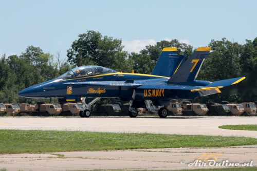 7 F-18 Hornet US NAVY Blue Angels