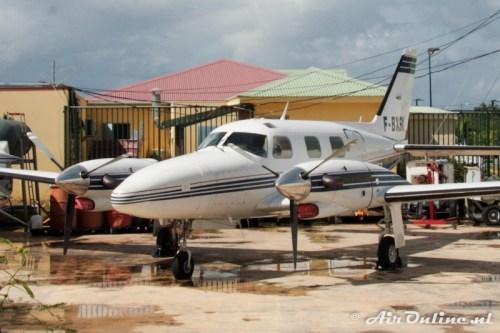 F-BXSK Piper PA-31T Cheyenne (Grand Case L'Espérance, Saint Martin, 8 januari 2011)