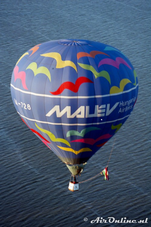 HA-728 Tomi/SCB-AX-7 Malev (Katrineholm 1998)