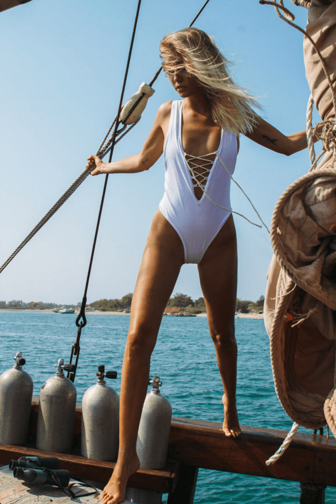 Beautiful Photos Of Models Boating In Bali Airows