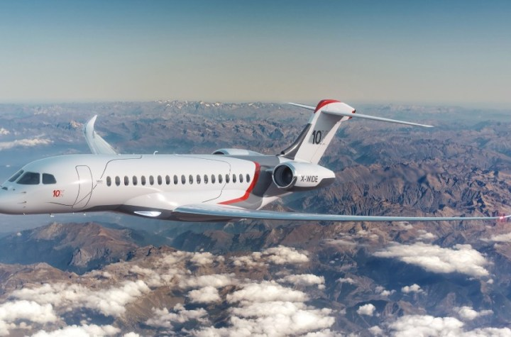 dassault extends the falcon range with the new Airplane GEEK Dassault extends the Falcon range with the new 10X