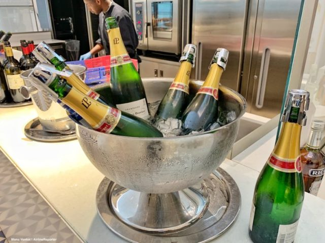 Air France Lounge CDG - Champagne