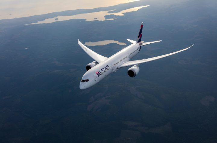 latam will ditch single use plastics by 2023 and landfill waste in 2027 Airplane GEEK LATAM Will Ditch Single Use Plastics By 2023 And Landfill Waste In 2027