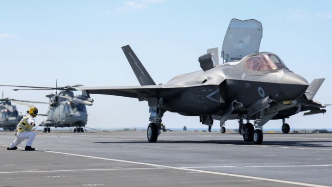 f 35b jets from hms queen elizabeth have joined the fight against daesh Airplane GEEK F-35B Jets From HMS Queen Elizabeth Have Joined The Fight Against Daesh