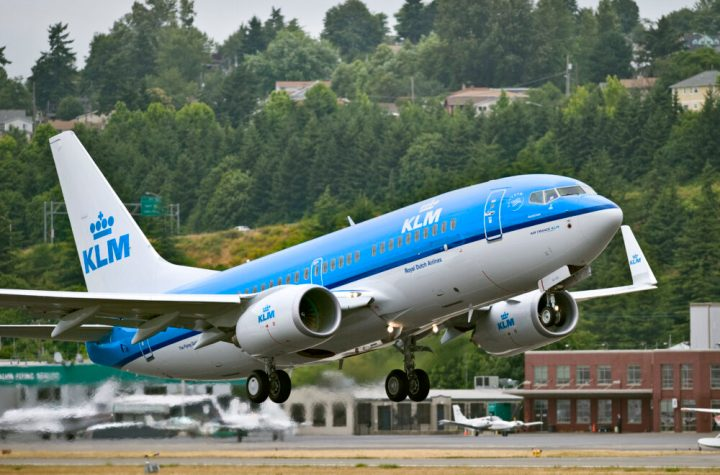 air france klm approaches airbus and boeing for 160 new aircraft Airplane GEEK Air France-KLM Approaches Airbus And Boeing For 160 New Aircraft