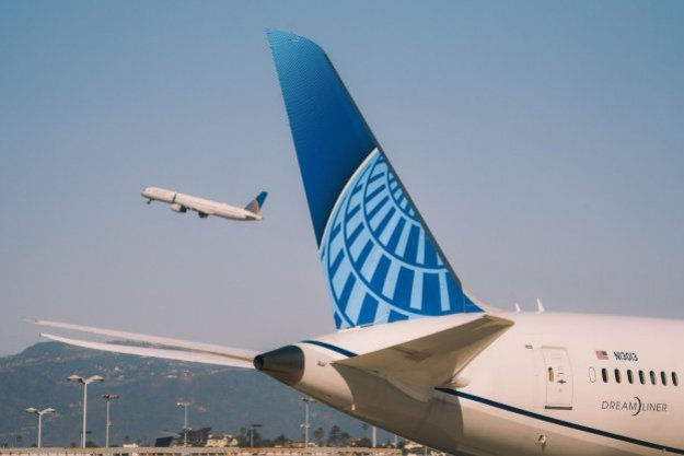 united reports a 2q net loss of 0 4 billion expects to be profitable in the 3q and 4q Airplane GEEK United reports a 2Q net loss of$0.4 billion, expects to be profitable in the 3Q and 4Q