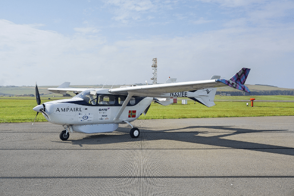 ampaire demonstrates first hybrid electric aircraft in scotland Airplane GEEK Ampaire Demonstrates First Hybrid Electric Aircraft in Scotland