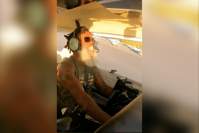the happiest pilot in the world demonstrates a soft field takeoff Airplane GEEK The Happiest Pilot In The World Demonstrates A Soft-Field Takeoff