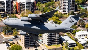 behold this awesome video of the c 17 flying low over brisbane taken from above its flight path Airplane GEEK Behold This Awesome Video Of The C-17 Flying Low Over Brisbane Taken From Above Its Flight Path