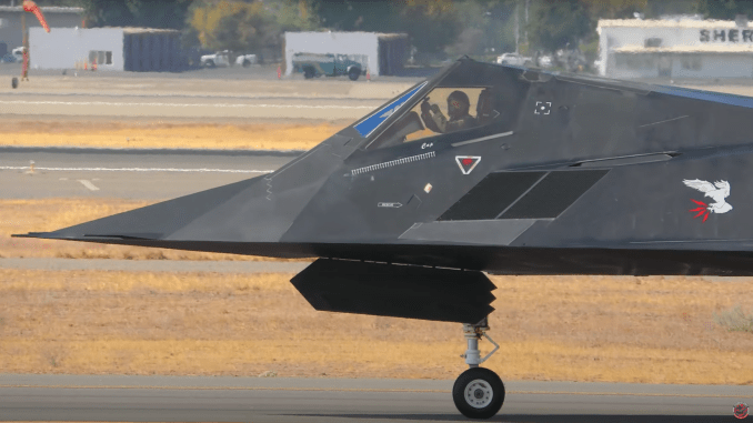 enjoy these two stunning 4k videos of the f 117s operating out of fresno last week Airplane GEEK Enjoy These Two Stunning 4K Videos Of The F-117s Operating Out Of Fresno Last Week