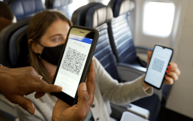 united becomes first airline to introduce paypal qr codes as inflight payment option Airplane GEEK United becomes first airline to introduce PayPal QR codes as inflight payment option