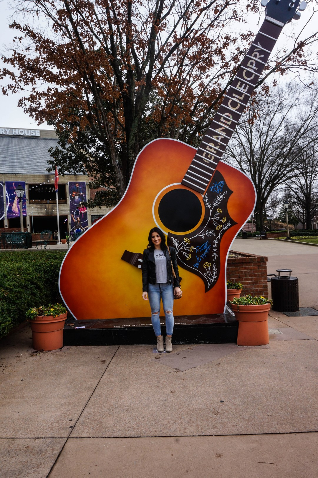 Nashville Bucket List for Country Music Lovers - Airplanes