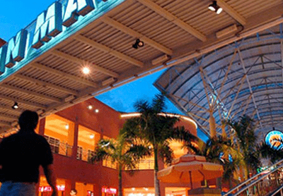 Miami outdoor shopping mall