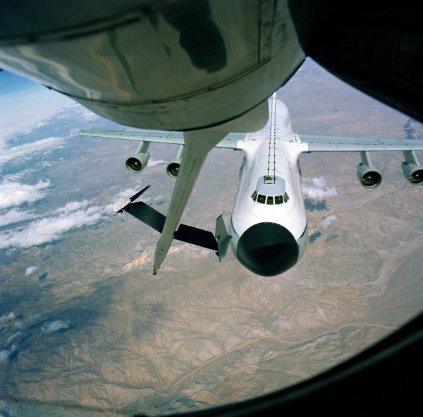 Air Refueling Kc 10 Boom Pod - Year of Clean Water