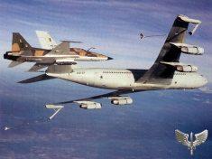 Boeing 707 refueling tanker F-5