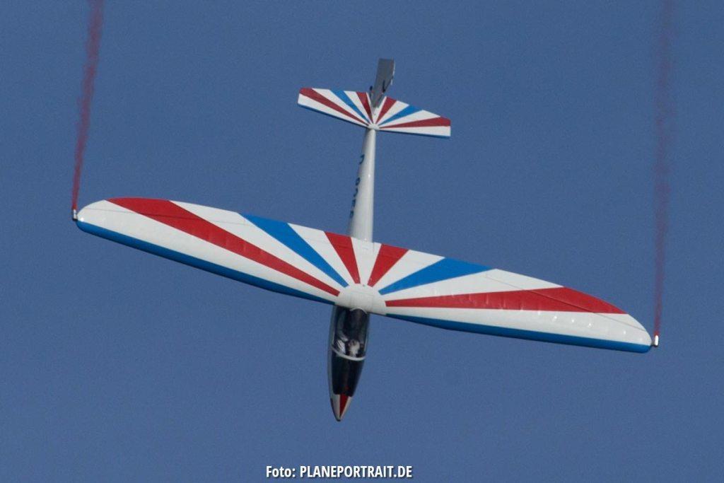 Segelflug-Akrobatik von Mike Göst mit seiner LO-100 auf der Airshow Breitscheid 2020