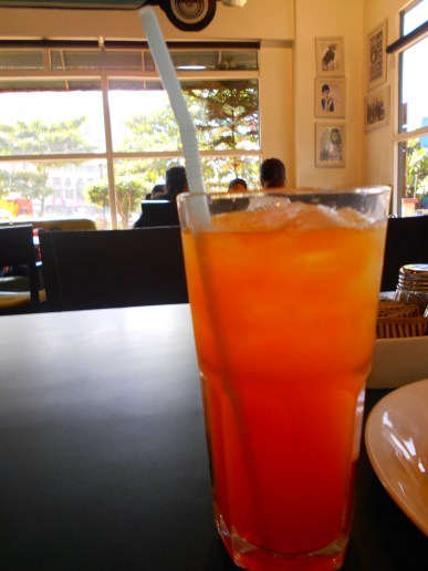 Cool blend of orange and hazelnuts, the Sorrento Sunrise at Cafe Monza can be given a try to quench your thirst in the hot summer.