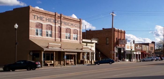 custer main street