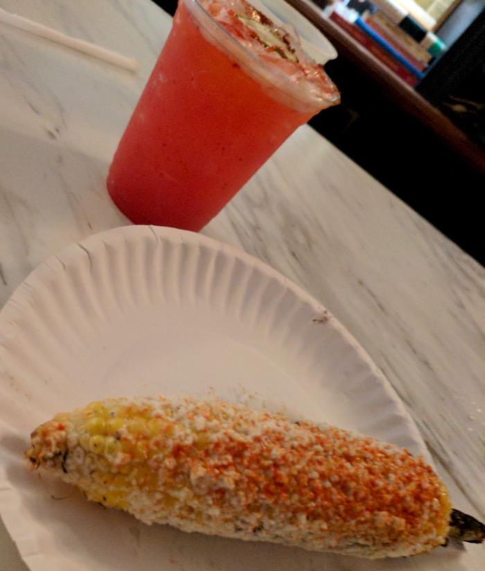 margarita and elote at Mas Tacos