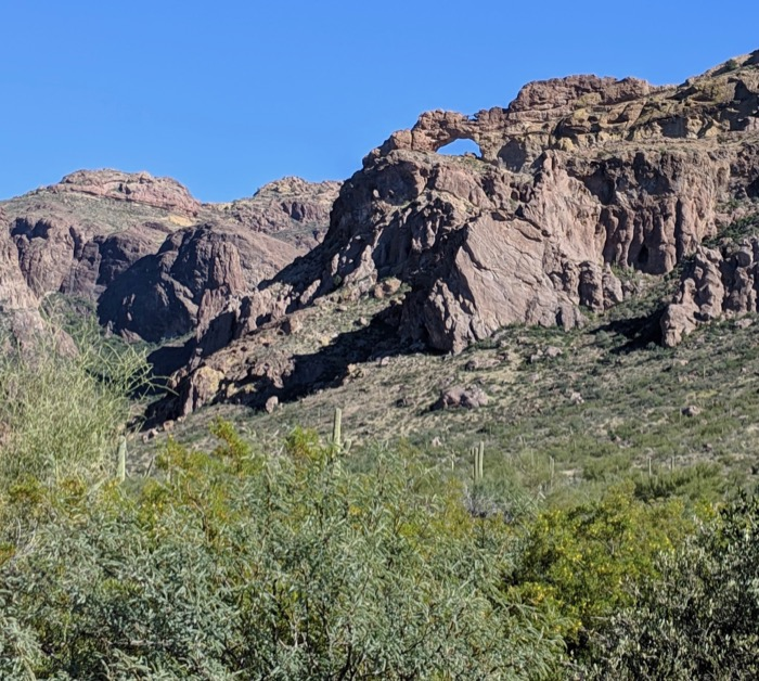 hiking arch canyon in organ pipe