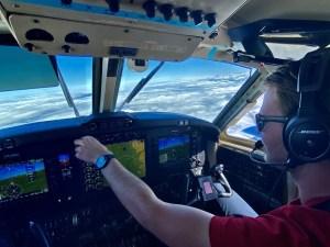 beechcraft 200 super king air in flight