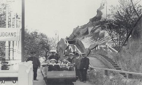 Der Klassiker: Rutschebanen kurz nach der Eröffnung 1914.