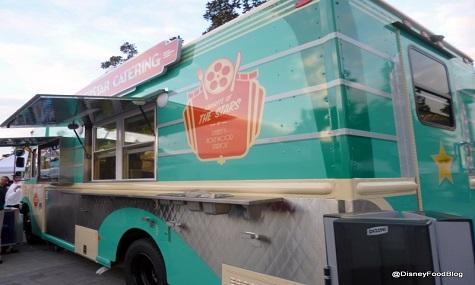 Im Superstar Catering FoodTruck findet man Spezialitäten aus den Disney's Hollywood Studios