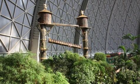 Der African Jungle Lift bietet kleine Airtime(r)-Momente und eine tolle Aussicht über das Areal