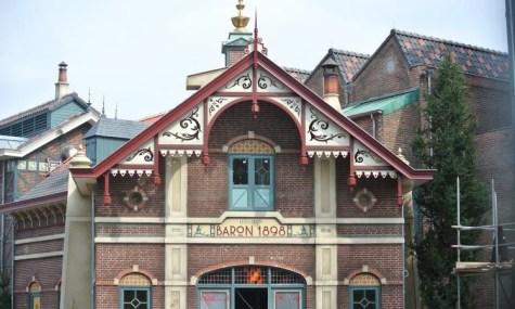Mit der Station des Barons hat sich Efteling selbst übertroffen - Anklicken zum Vergößern!