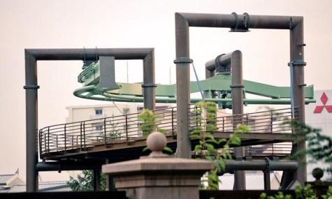 Der erste Teil der Achterbahn wurde bereits aufgebaut - Anklicken zum Vergrößern!