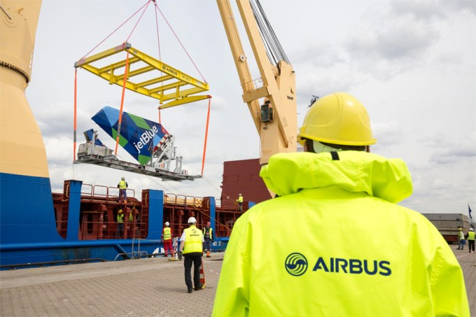 Aircraft components are loaded onto special sea transport frames for its transportation from Germany to the U.S. (Credits: Airbus)