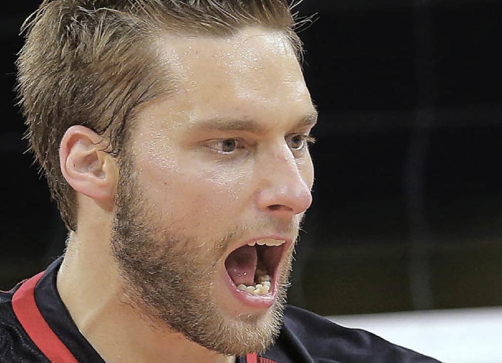 Der Trauzeuge als Kapitn des Gegners  Volleyball