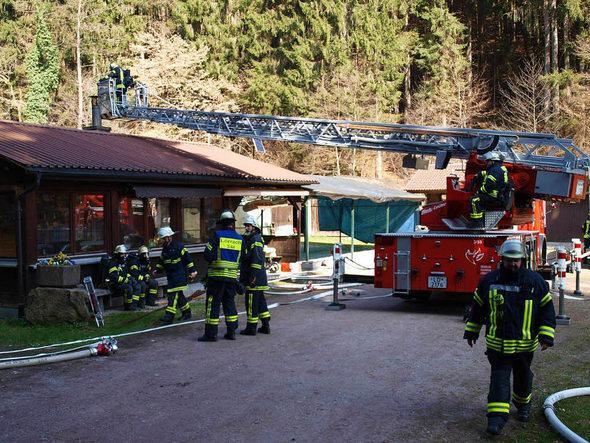 Achtjähriger Entdeckt Brand In Der Fischzuchtanlage