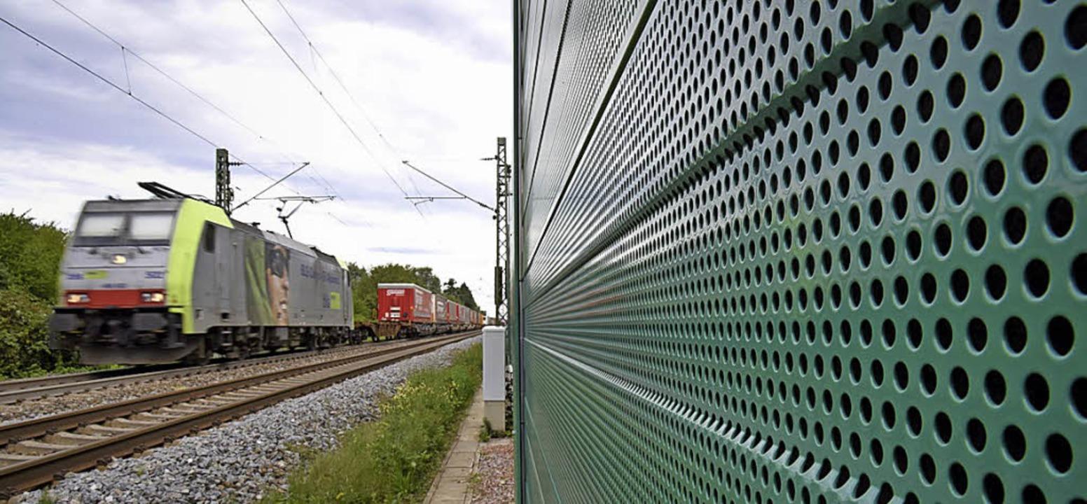 Was sagt die Verkehrsprognose für 2030... Regionalverband warnt vor Änderungen.  | Foto:  dpa