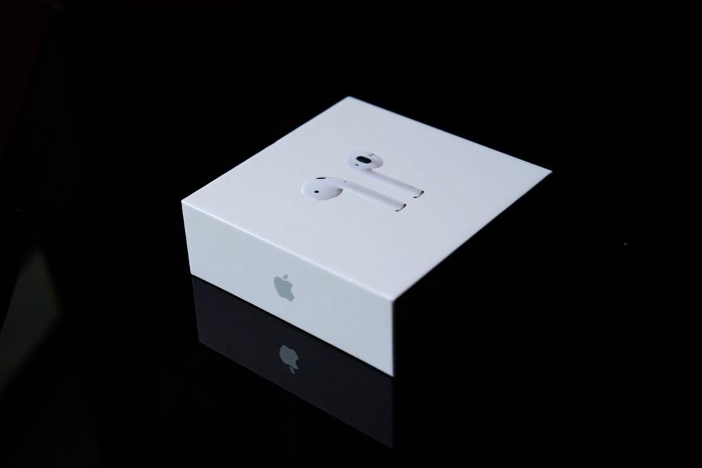 Apple airpods box