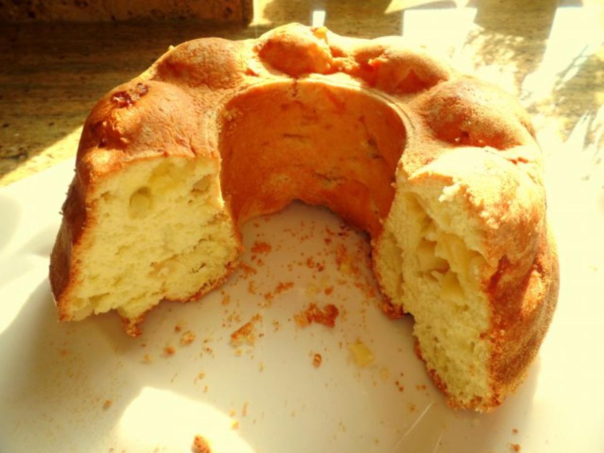 BiskuitGugelhupf mit Apfel oder Birne fettarmer Kuchen