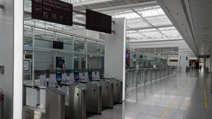 Impact of Corona Airport Munich In the picture Access Security Control Terminal 2 opened green. Munich Airport Munich Bavaria Germany *** Impact Corona Munich Airport In picture Access Security Control Terminal 2 open green Munich Airport