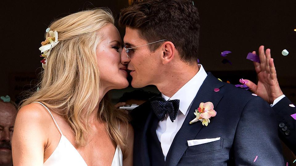 Mario Gomez und Carina Wanzung Standesamtliche Hochzeit