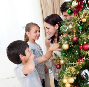 3 New Family Traditions to Adopt for a More Meaningful Holiday Season