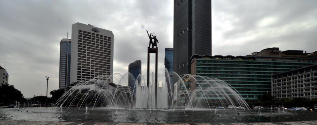 10 Gambar Patung Selamat Datang Bundaran HI Jakarta Dari