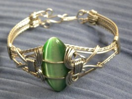 Stainless Steel Square Wire and Green Cats Eye Cabochon Bracelet