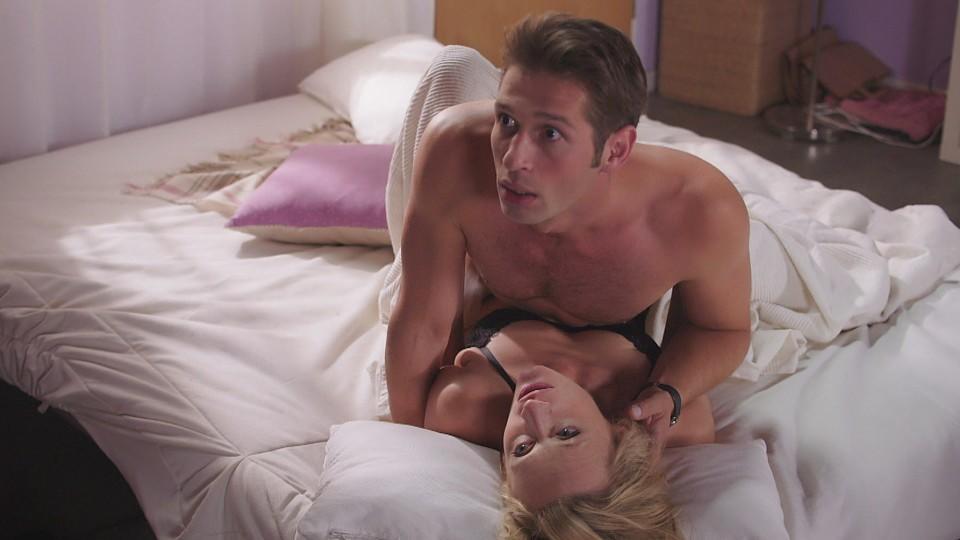 AWZ Flo sieht Deniz beim Sex mit Sonja