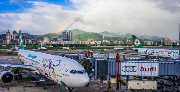 長榮航空可攜帶多少件手提行李上飛機?