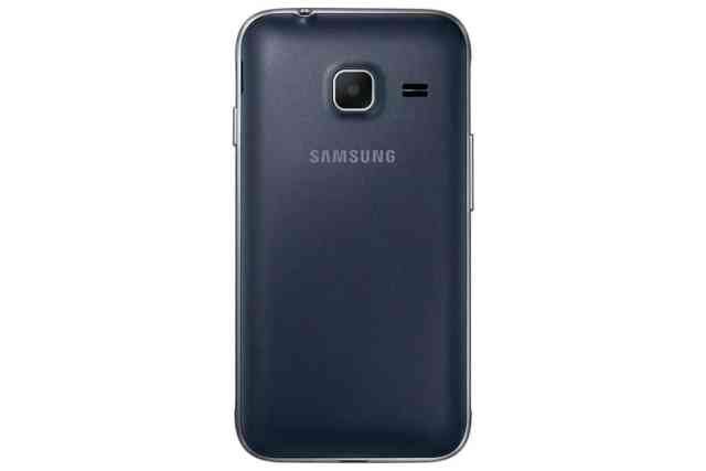 سامسونج تطلق هاتفها الذكي منفخض السعر Galaxy J1 Mini