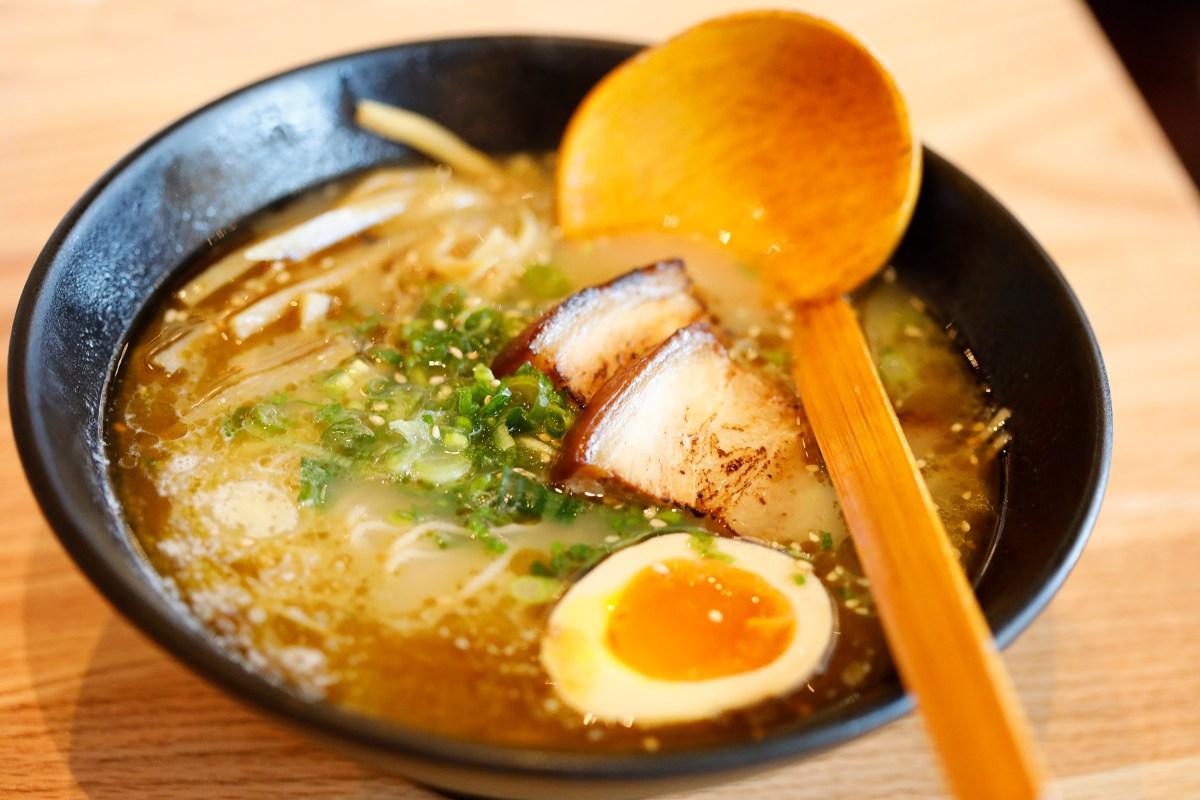 best ramen jax a review of popular domu ramen- aitravelsblog.com