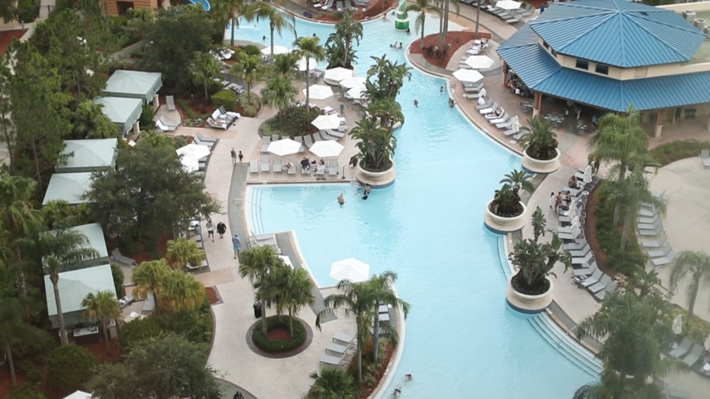 hilton orlando overlooking pool