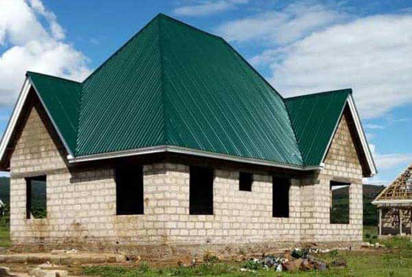 Galvalume roofing sheets are used to build villas in Africa