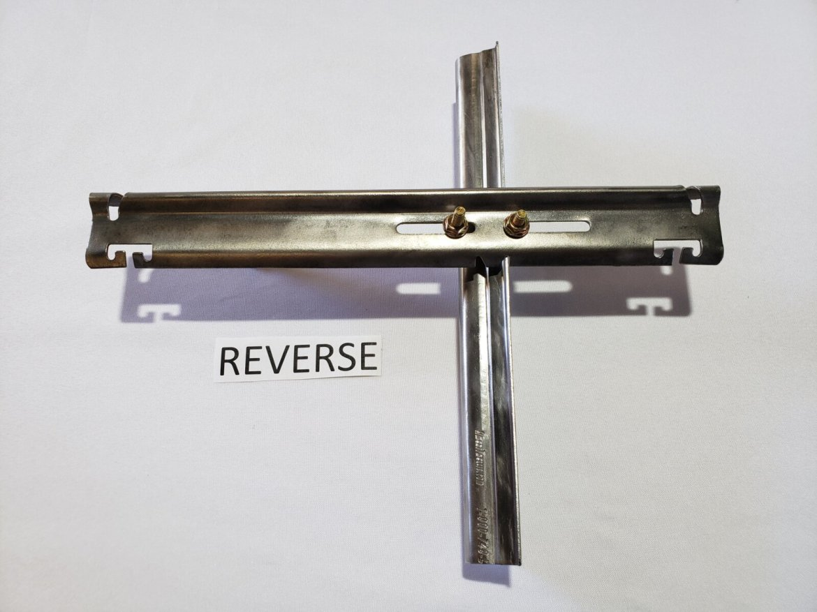 Metal Grapestake With Reverse Offset L-Style Crossarm